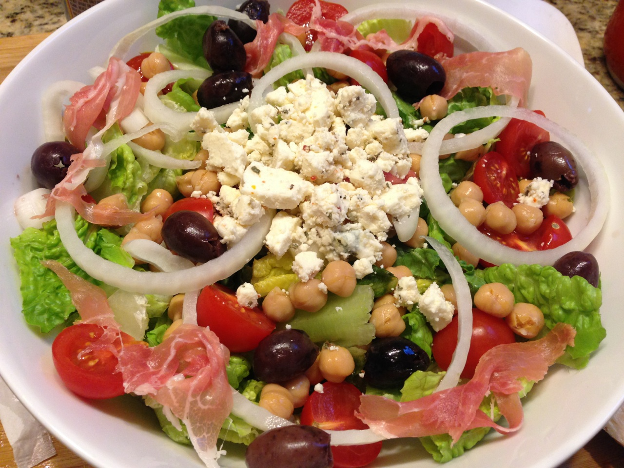 Greek Salad perfect for lunch or dinner – A Beautiful Lifestyle